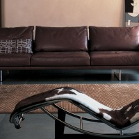 Canapé-TOOT-et-chaise-longue-LC4-Cassina