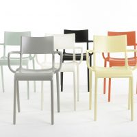 chaise generic kartell