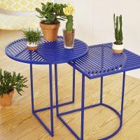 Petite-Friture-Iso-A-und-Iso-B-Beistelltische-blau-Ambiente